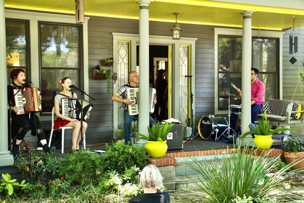Porch Concert May 2017 19.jpg