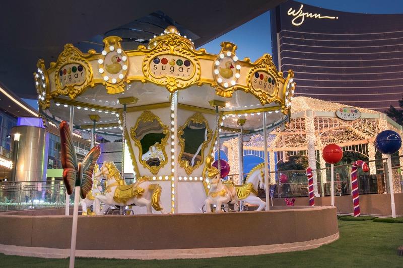 HOW-TO-CELEBRATE-BIRTHDAY-LAS-VEGAS-SUGAR-FACTORY-FASHION-SHOW-MALL-CAROUSEL-LOCAL-FUN-TO-DO