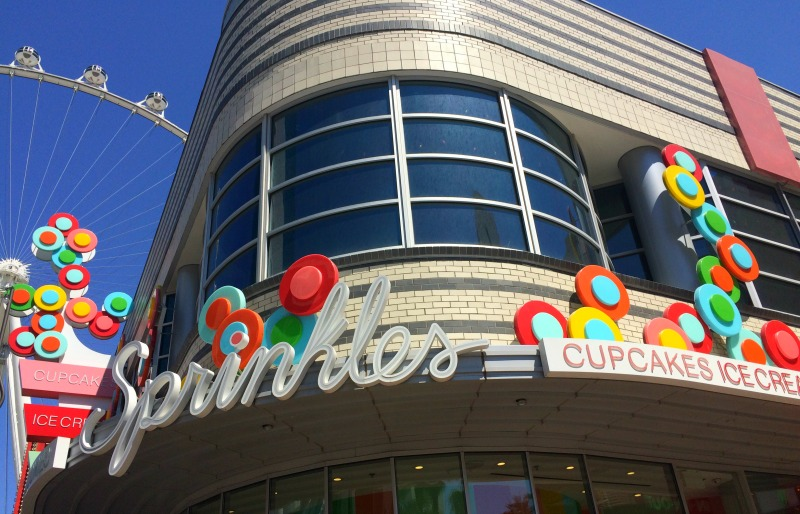 HOW-TO-CELEBRATE-BIRTHDAY-LAS-VEGAS-SPRINKLES-CUPCAKES-LINQ-HIGH-ROLLER-ICE-CREAM-LOCAL-RESTAURANTS-FUN-TO-DO