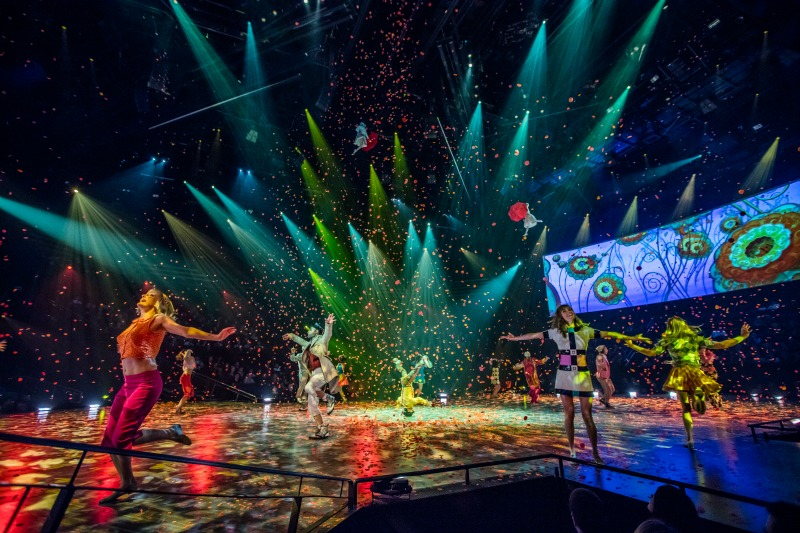 BEATLES-LOVE-SHOW-MIRAGE-CIRQUE-DU-SOLEIL-HOW-TO-CELEBRATE-BIRTHDAY-LAS-VEGAS-LOCAL-FUN-TO-DO-SARGENT-PEPPER-STAGE