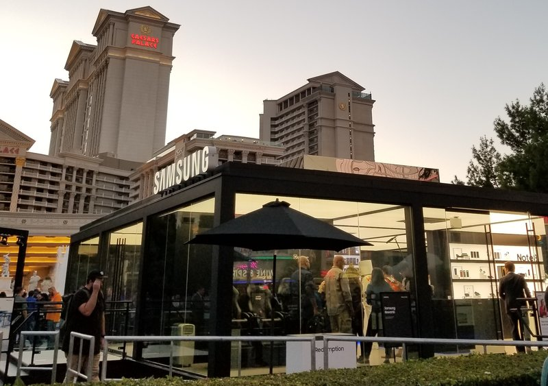 samsung-studio-pop-up-las-vegas-galaxy- 8-phone-ceasars-palace