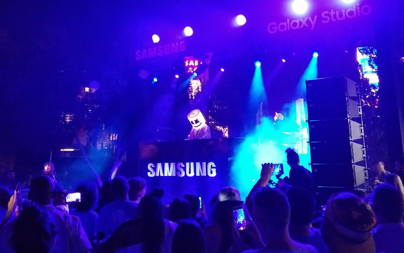 samsung-studio-pop-up-las-vegas-galaxy- 8-phone-ceasars-palace-dj-marshmello