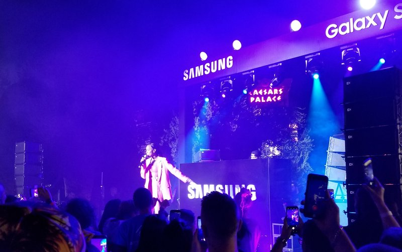 samsung-studio-pop-up-las-vegas-galaxy- 8-phone-ceasars-palace-kelly-rowland