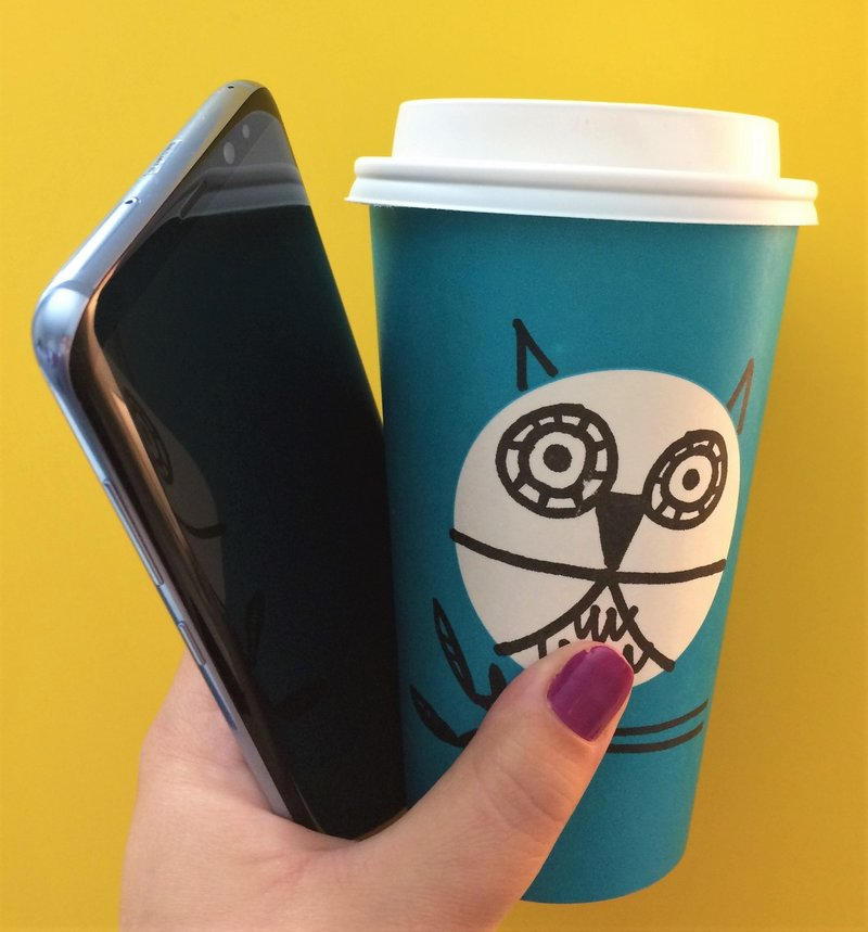 samsung-studio-pop-up-las-vegas-galaxy- 8-plus-phone-blogger-lifestyle-starbucks-owl-cup