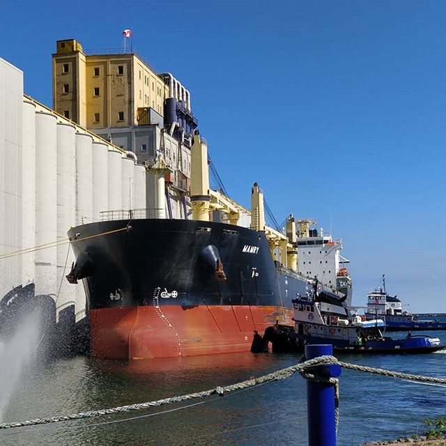 MV Mamry - Glenada & Point Valour assisting #portofthunderbay #thunderbay #thunderbayshipping #thunderbaytugservices #polsteam