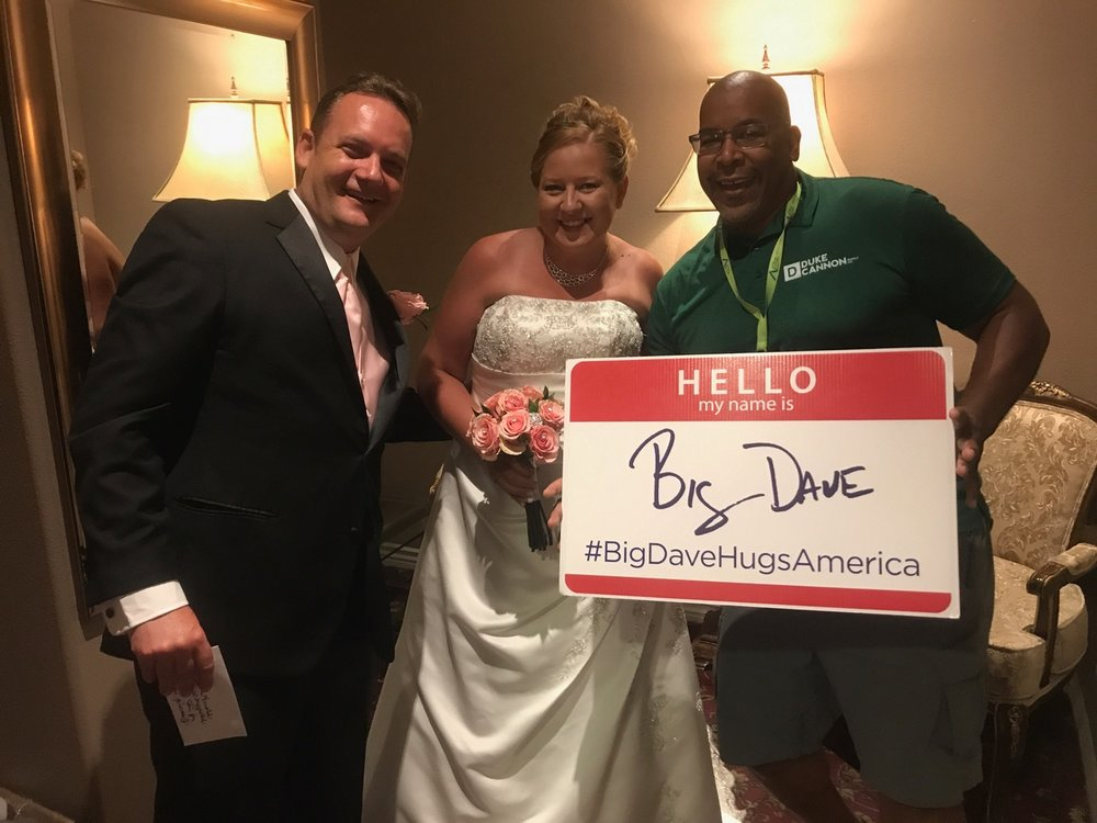 This couple just tied the knot in Vegas!