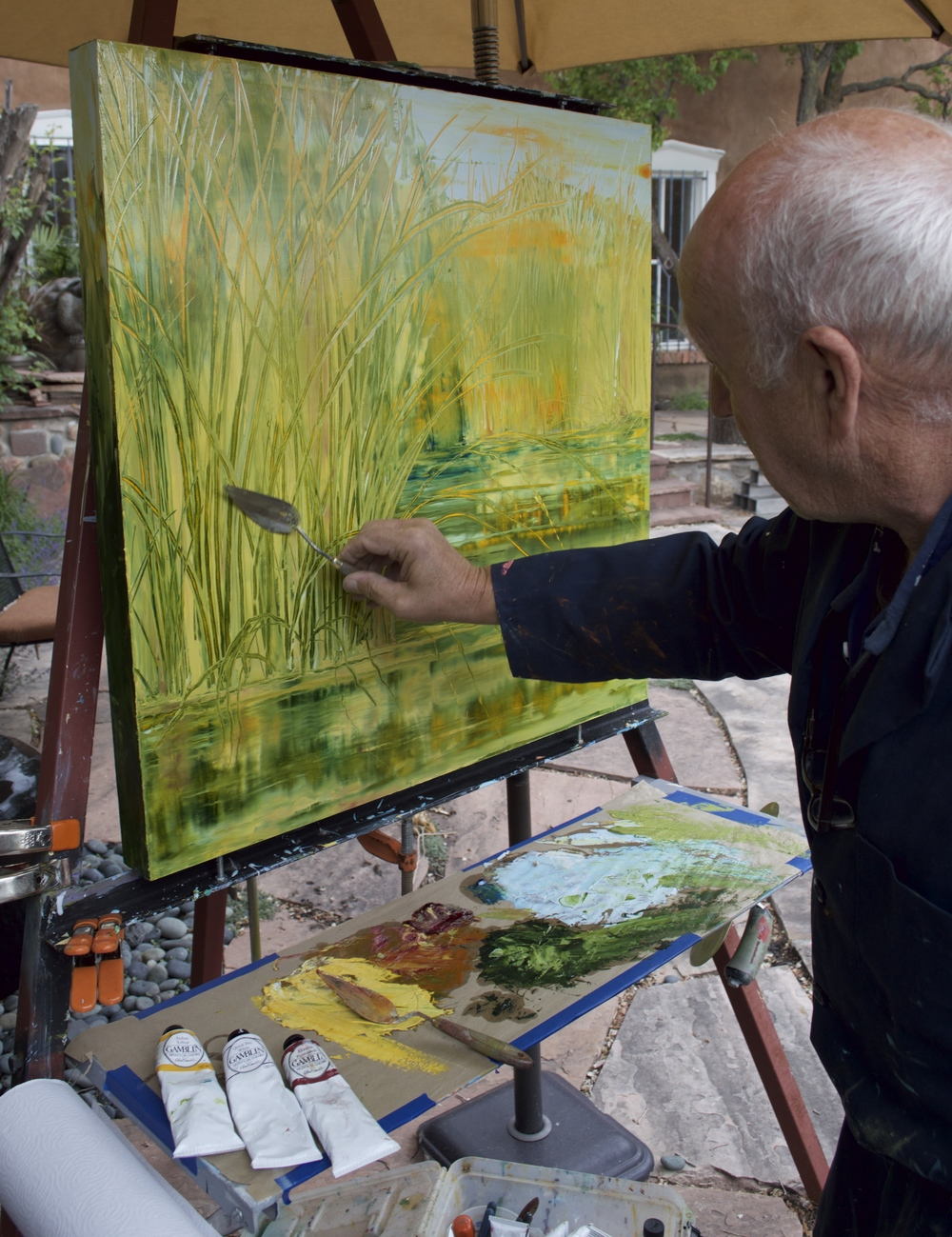 Mark White painting en plein aire