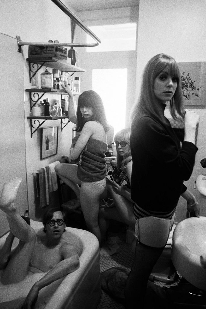 Dennis Hopper, Bruce Conner (in tub), Toni Basil, Teri Garr and Ann Marshall, 1965, black-and-white photograph.