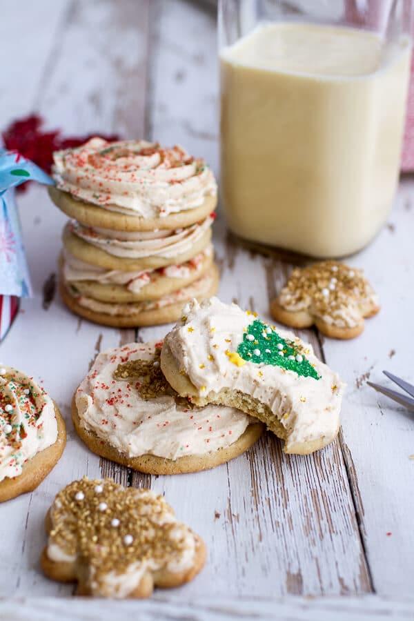 Easy-Slice-n-Bake-Vanilla-Bean-Christmas-Sugar-Cookies-w-Whipped-Buttercream-121.jpg