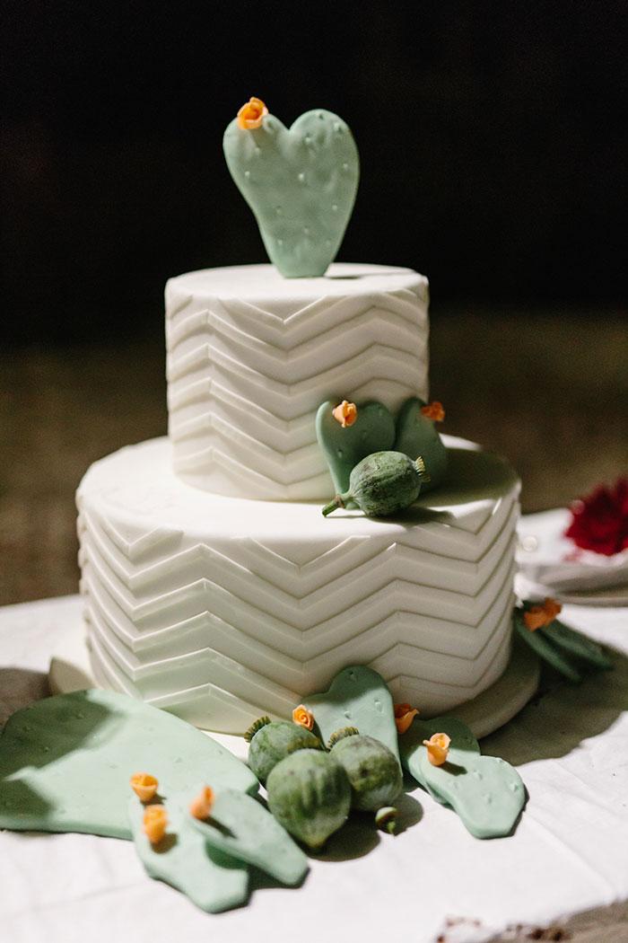 frida-kahlo-inspired-italian-peony-floral-boho-wedding-inspiration47.jpg