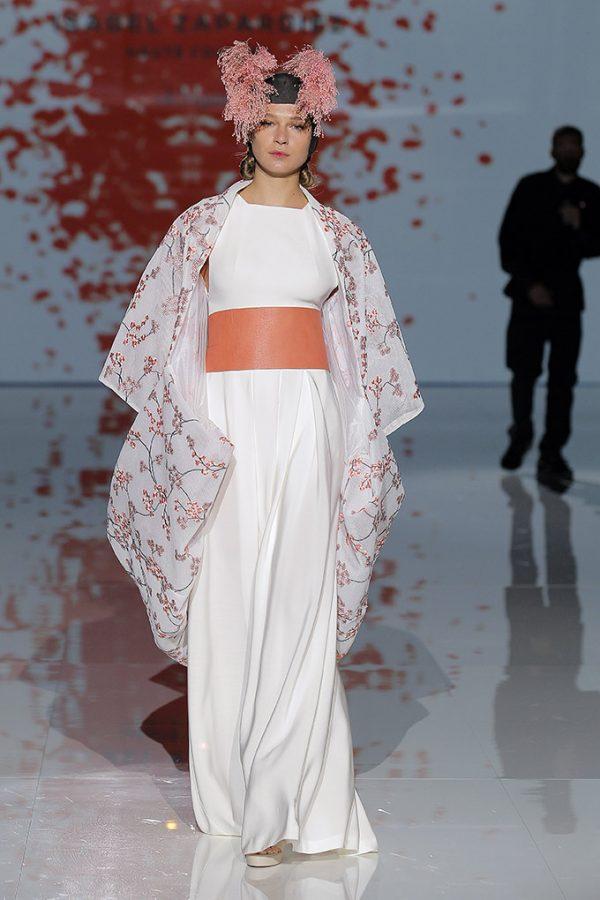 isabel-zapardiez-vestidos-novia-2018-tendenciasdebodas-11-600x900.jpg