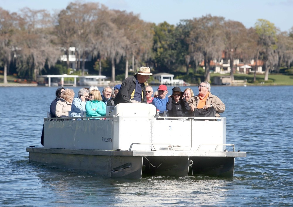http://www.orlandosentinel.com/news/os-winter-parks-biggest-attraction-of-scenic-boat-tours-20150211-premiumvideo.html