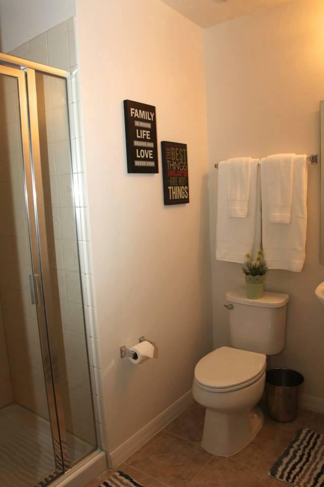 26 banheiro do corredor.jpg