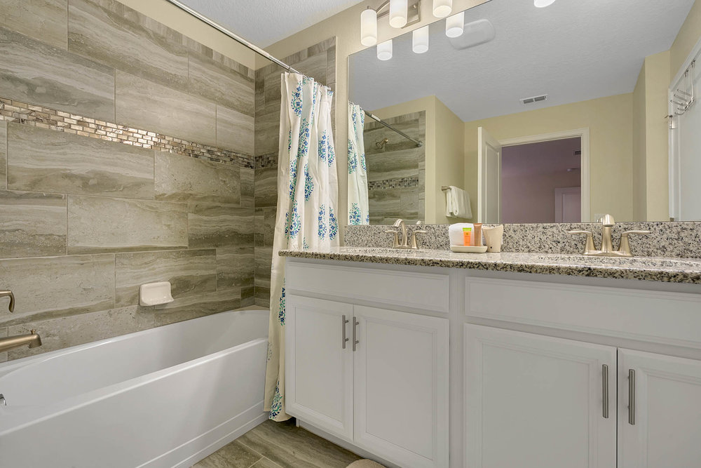 3082 Tom Sawyer, Kissimmee, FL 34746  - 12 - Master Bathroom.jpg