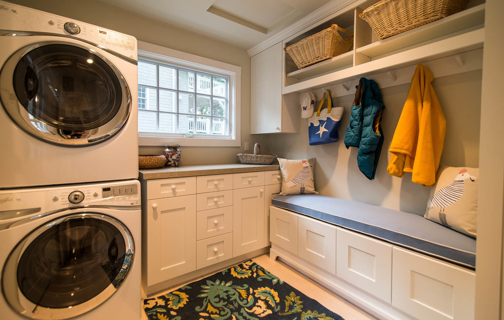 Friday Harbor, San Juan Island - Davidson Head Custom Guest House Laundry and Cloakroom