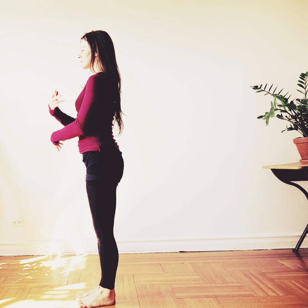 Alicia teaching yoga in Brooklyn