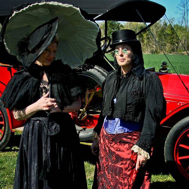 Takibg a drive... #steampunk #victorian #victoria #antiques #antique #costume #costumes #stylist #style #stylechallenge #wardrobe #filmwardrobe #film #costumer #steampunkworks #victorians #victoriana #victorianlady