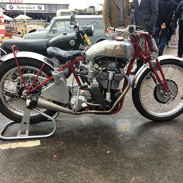 It's #TBT ... to a wet and wild @goodwoodrevival in 2017, where I spotted this very trick Norton 'Fredder' bobber special. Owned by legendary engine tuner Fred Walmsley, it consists of a post war Manx engine in a rigid pre-war frame and girder forks. It also sports Manx-type hubs and brakes. There's also lots of one-off parts included a see-through bevel drive cover - #ducati style!  Who thinks this week's London @bikeshedmc show should feature this?  #norton #manxnorton #nortonspecial #specialsnotcustoms #hardtail #roadracer #classicracer #matchless #rudge #velocette #bsa #vincent #broughsuperior #goodwood #goodwoodrevival #classicbike #vintagemotorcycle
