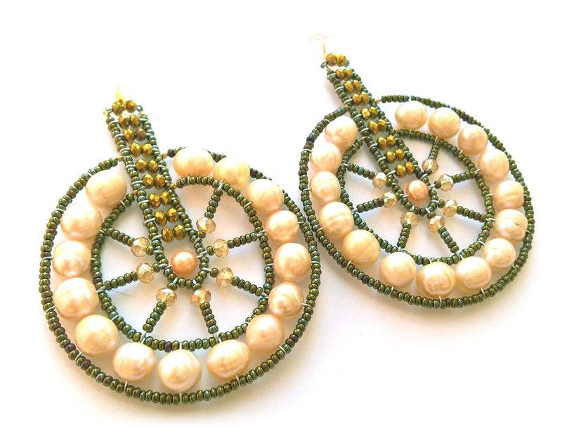 EAR130- Cyclo Peachy Pearl-DAMASCUS COLLECTION-WP_20170413_14_58_39_Pro-a.jpg