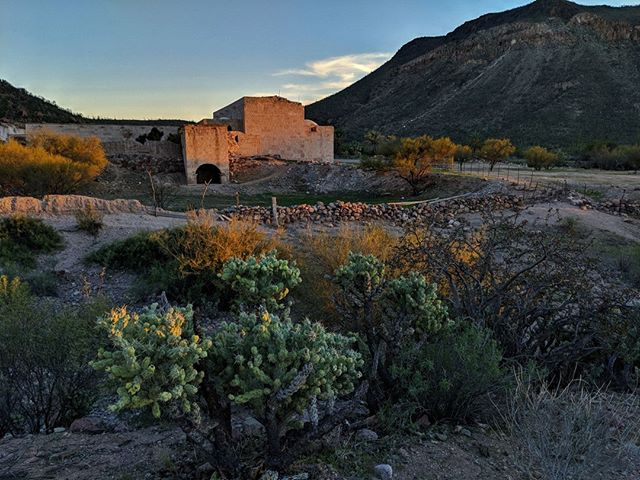 Always great driving in the beautiful afternoon light and this day could of not been a prettier sunset.  #baja #bajacalifornia #mexico #optoutside #neverstopexploring #misionsanborja #missionsanborja #history #missionaries #jesuitmission