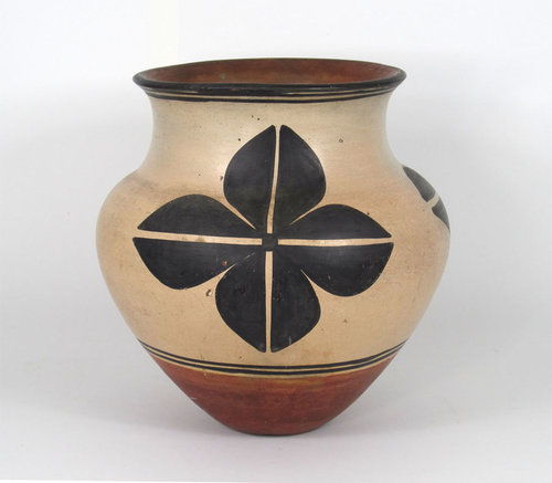 Kewa (formerly known as Santo Domingo) pottery jar attributed to Felipita Aguilar Garcia or Asuncion Aguilar Cate'   http://www.marcyburns.com/pottery-collection/kewa-formerly-santo-domingo-jar-attributed-to-one-of-the-aguilar-sisters