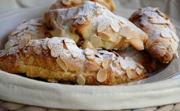 thevariety-choco--almond-croissant.jpg