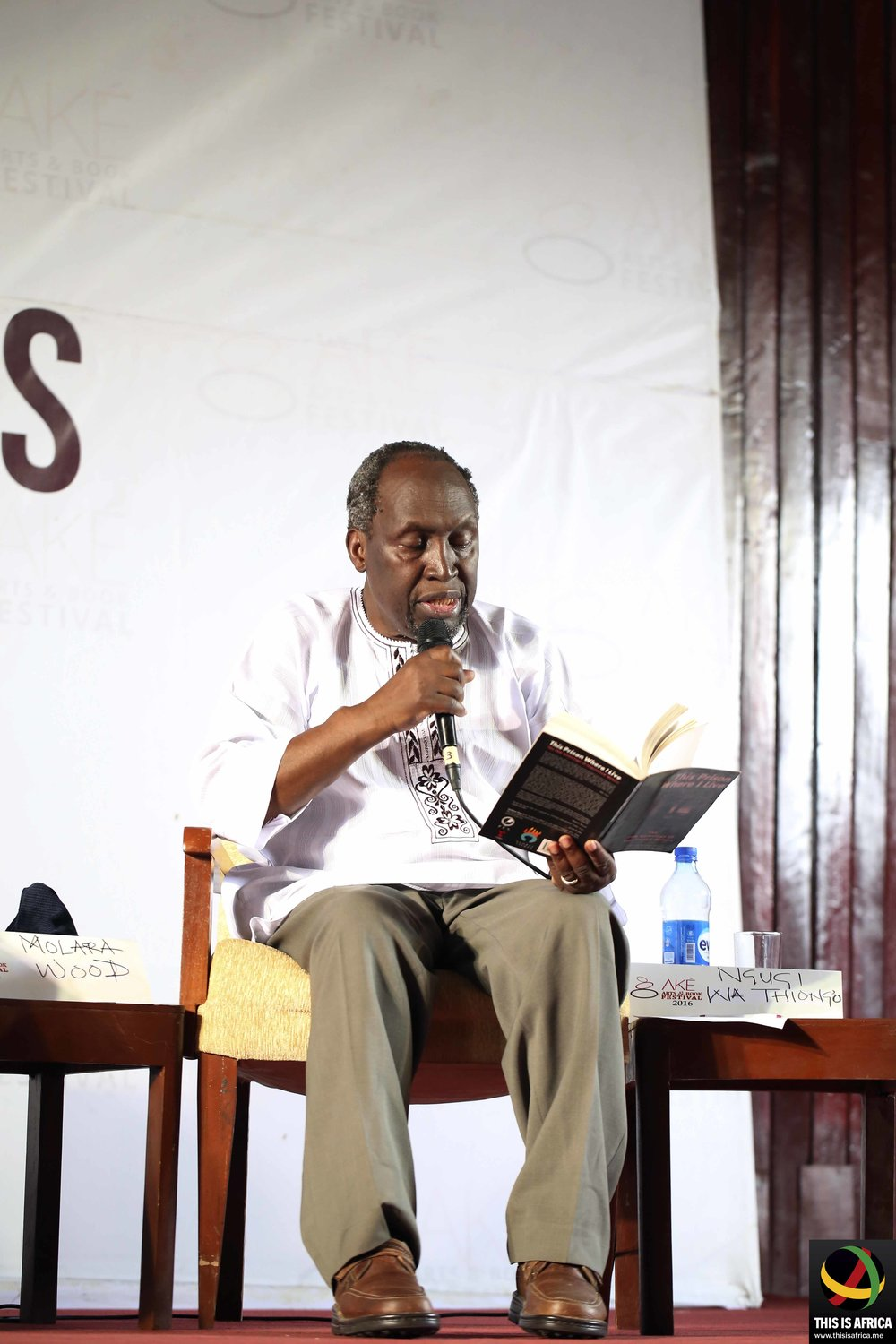 Ngugi Wa Thiong'o at the 2016 Aké Festival (This is Africa/Hamed Adedeji)