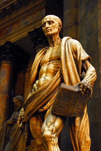 Gruesome sculpture of St. Bartholomew the Apostle by Marco d'Agrate, 1562 - found in the Duomo of Milan.  [Source:  santossanctorum.blogspot.com/ ]