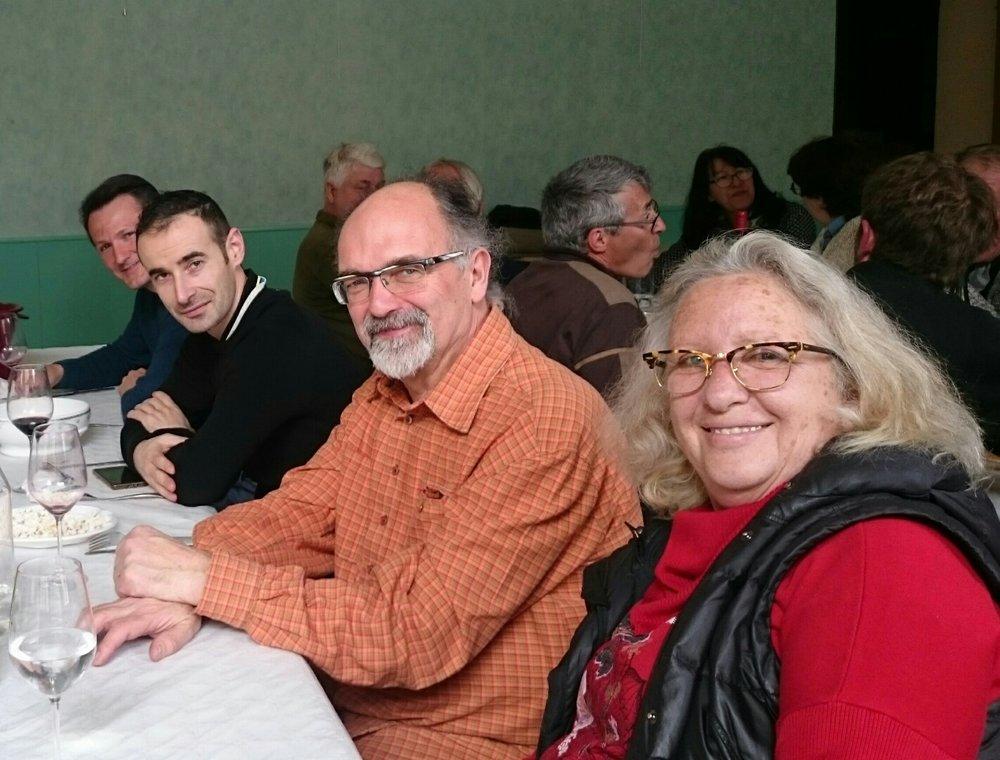 De droite à gauche:Patricia Boyer-Domergue (Clos Centeilles),AndréDominé (président des Vieux Cépages),Benoit Roger (oenologue),Jérôme Rouaud (vigneron)