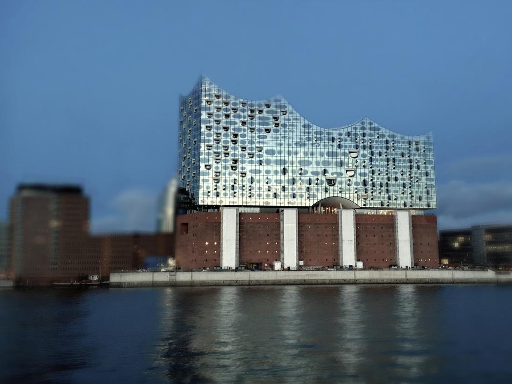 IMG_elbphilharmonie Hamburg Kopie.jpg
