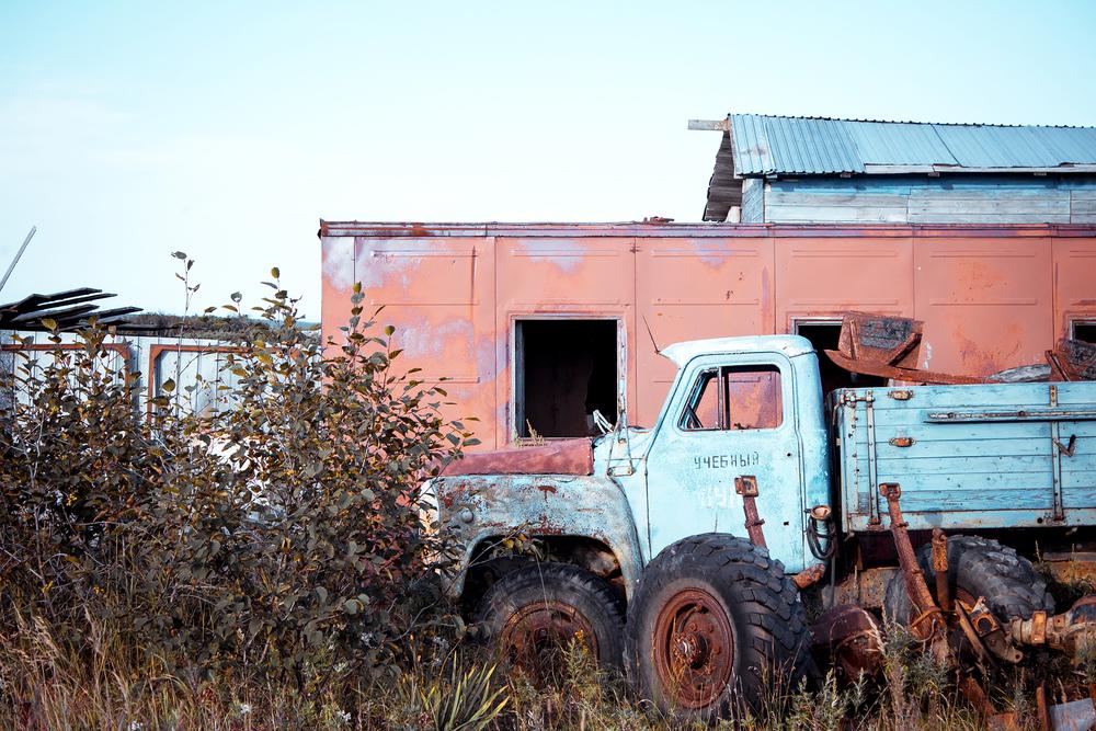 Поселок геологов. ГАЗ-52 бросили умирать