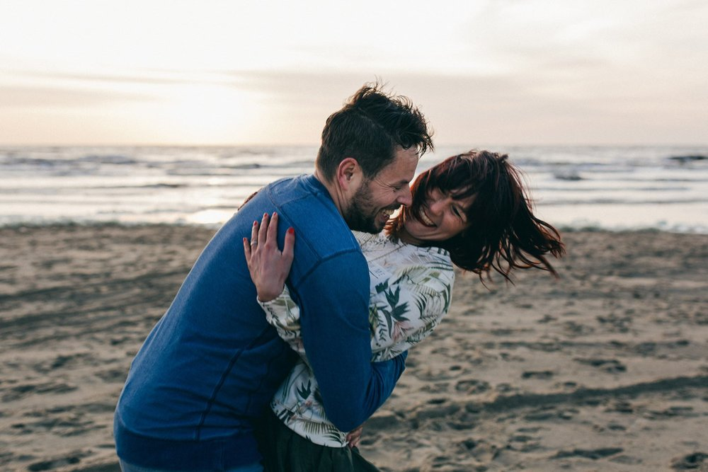 Romantische loveshoot Bloemendaal aan Zee - Luther en Nienke_0046.jpg