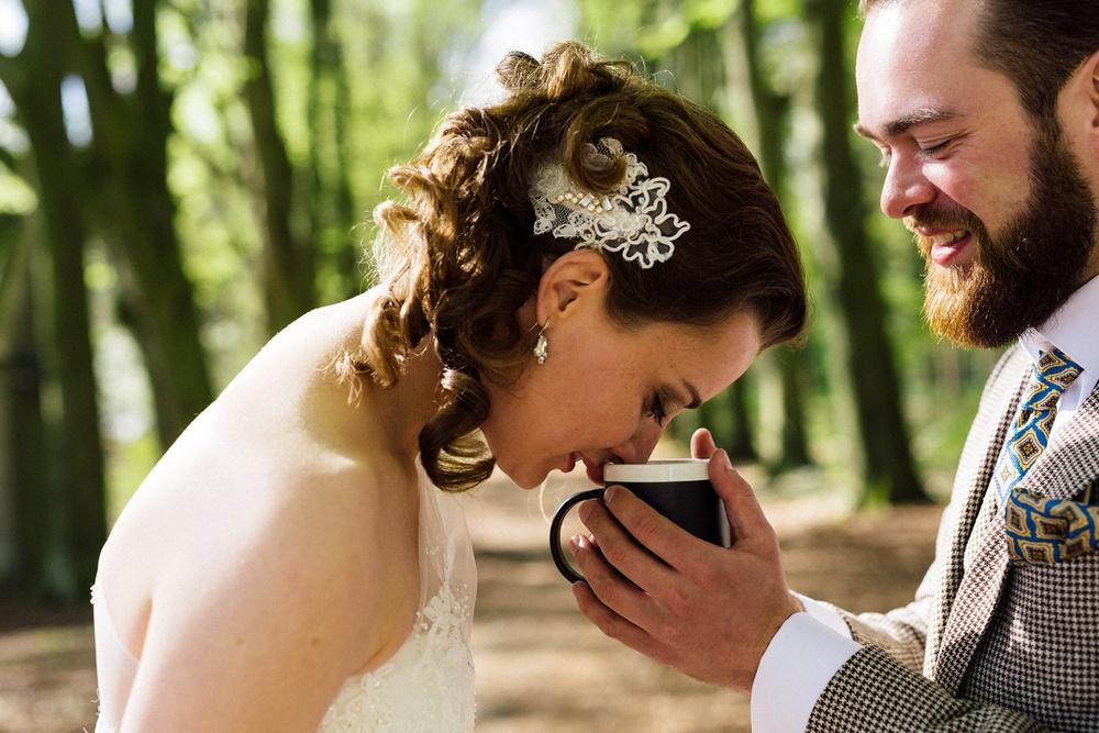 Pure Bruidsfotografie Deventer - Vintage bruiloft aan de IJssel - Jeroen en Hannah_0007.jpg