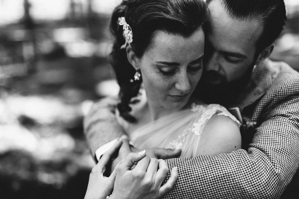 Pure Bruidsfotografie Deventer - Vintage bruiloft aan de IJssel - Jeroen en Hannah_0014.jpg