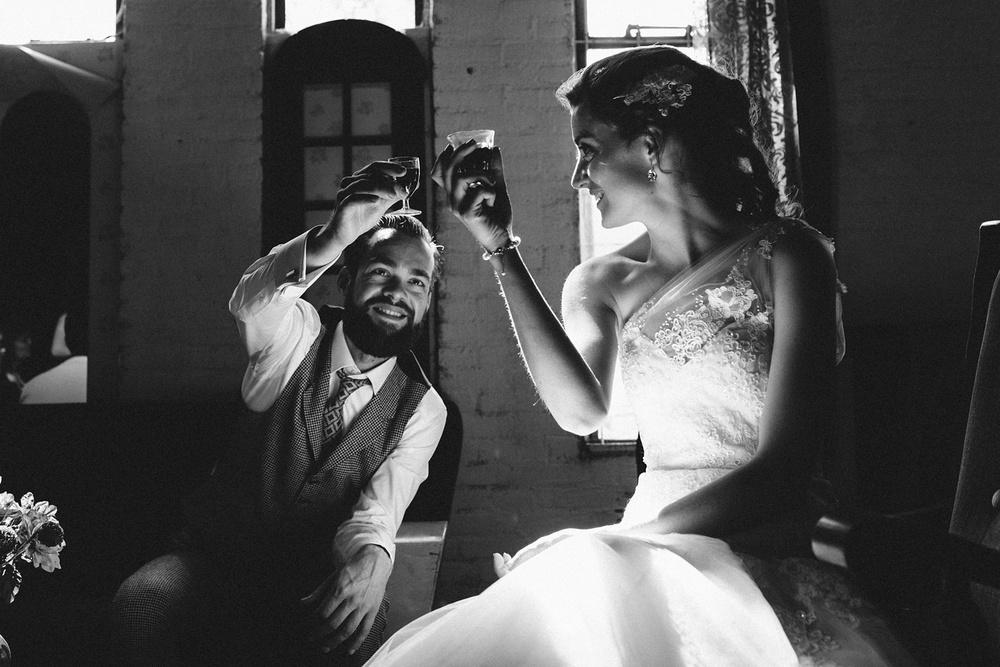 Pure Bruidsfotografie Deventer - Vintage bruiloft aan de IJssel - Jeroen en Hannah_0031.jpg