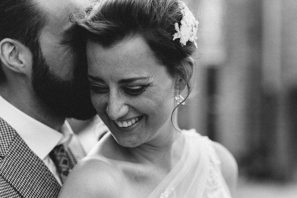 Pure Bruidsfotografie Deventer - Vintage bruiloft aan de IJssel - Jeroen en Hannah_0038.jpg