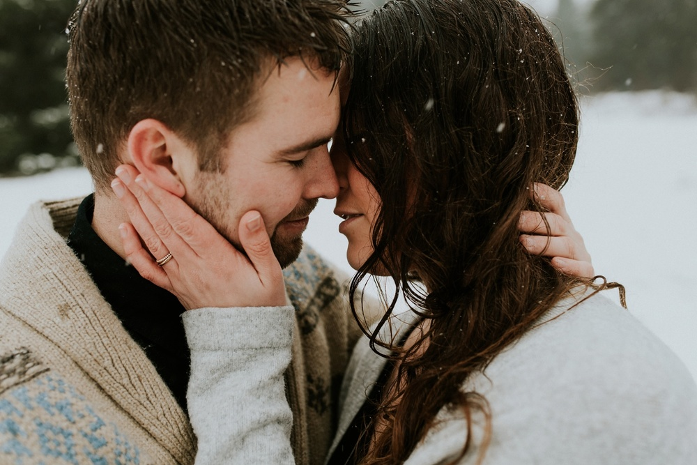 Loveshoot in the snow_0007.jpg