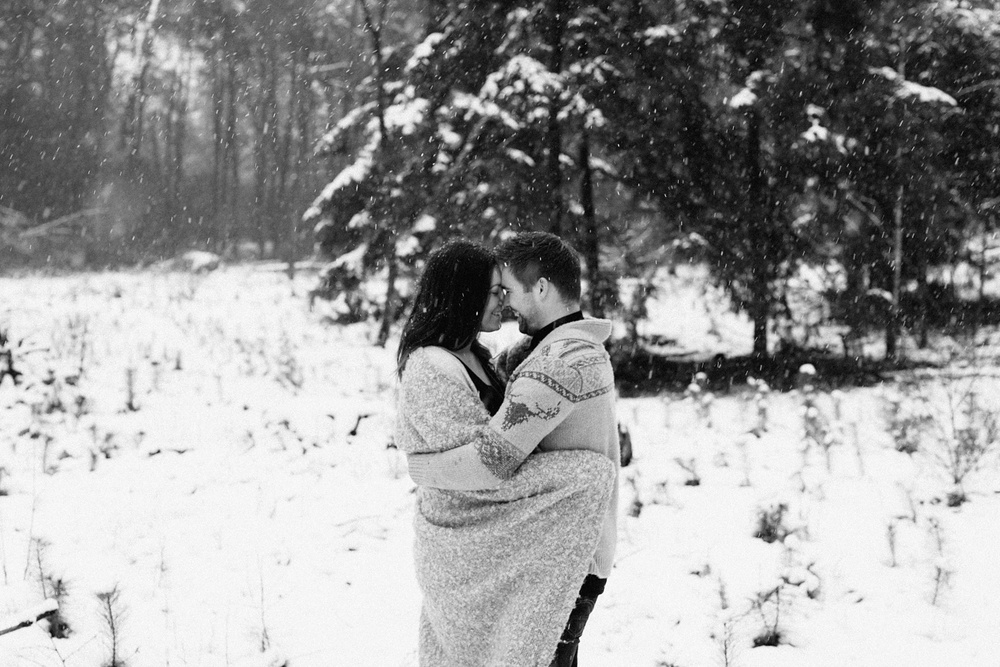 Loveshoot in the snow_0010.jpg