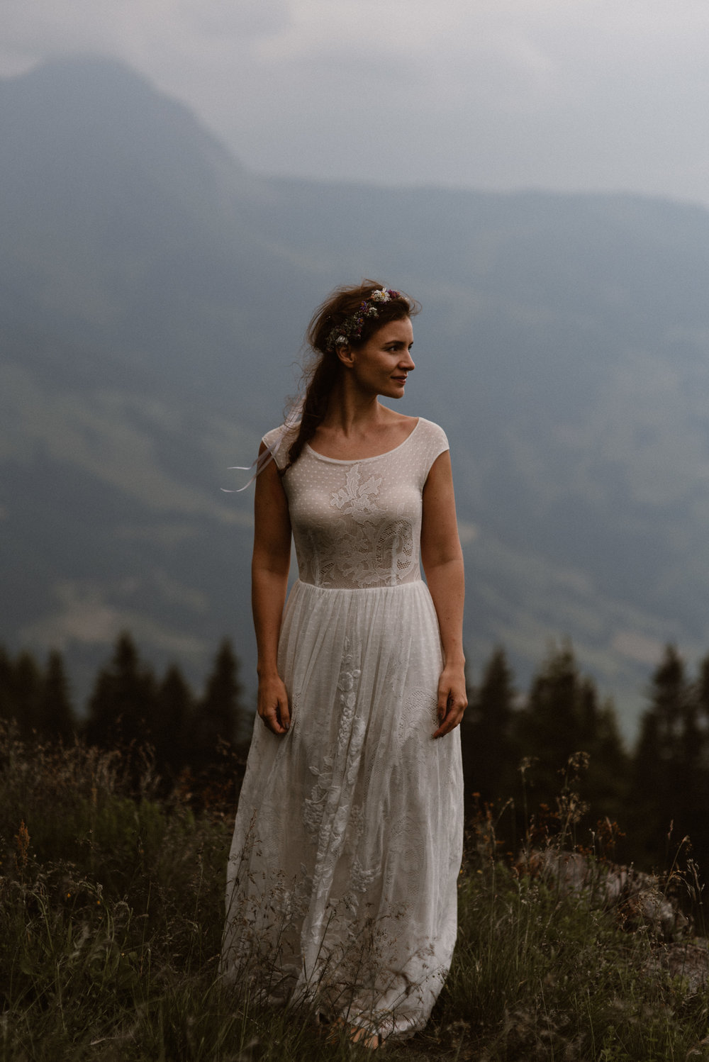 Married in the mountain photographer