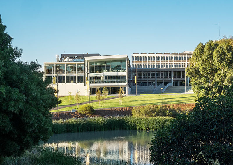 SA7026_14_FLINDERS UNIVERSITY HUB & PLAZA_WOODS BAGOT.jpg