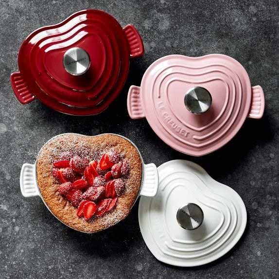 Le Creuset - Cast-Iron Heart-Shaped Dutch Oven