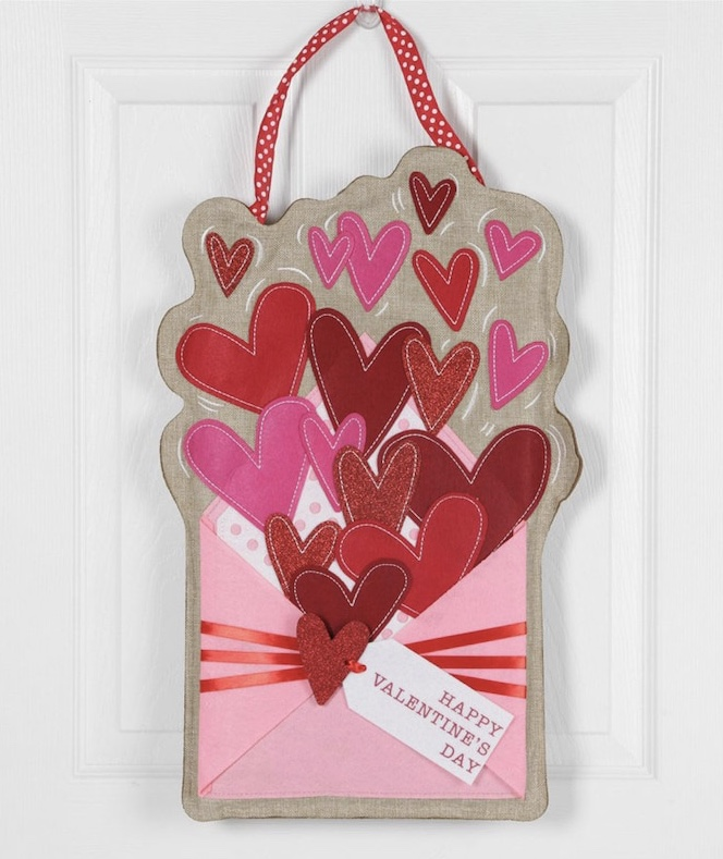 Evergreen Enterprises - Valentine's Day Heart Envelope Door Hanger