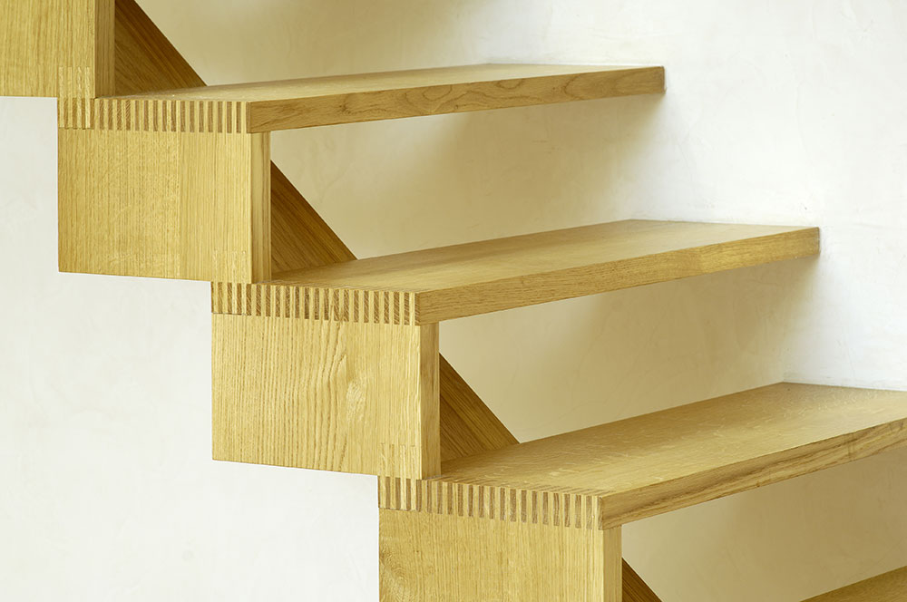 Cantilevered Staircase In Solid Oak With Attractive Comb Jointed Footings.