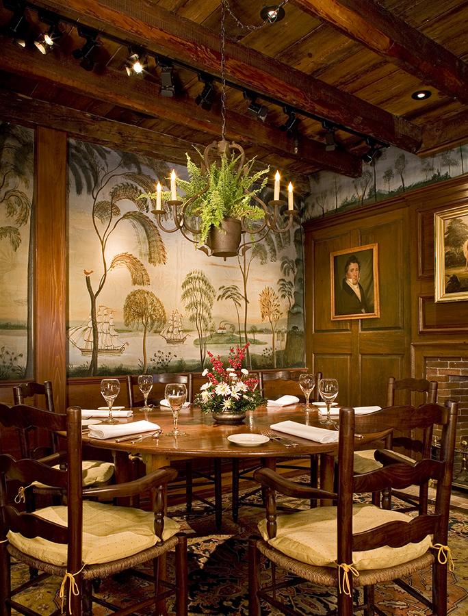 Interiors kevin m paulsen for Willow creek designs