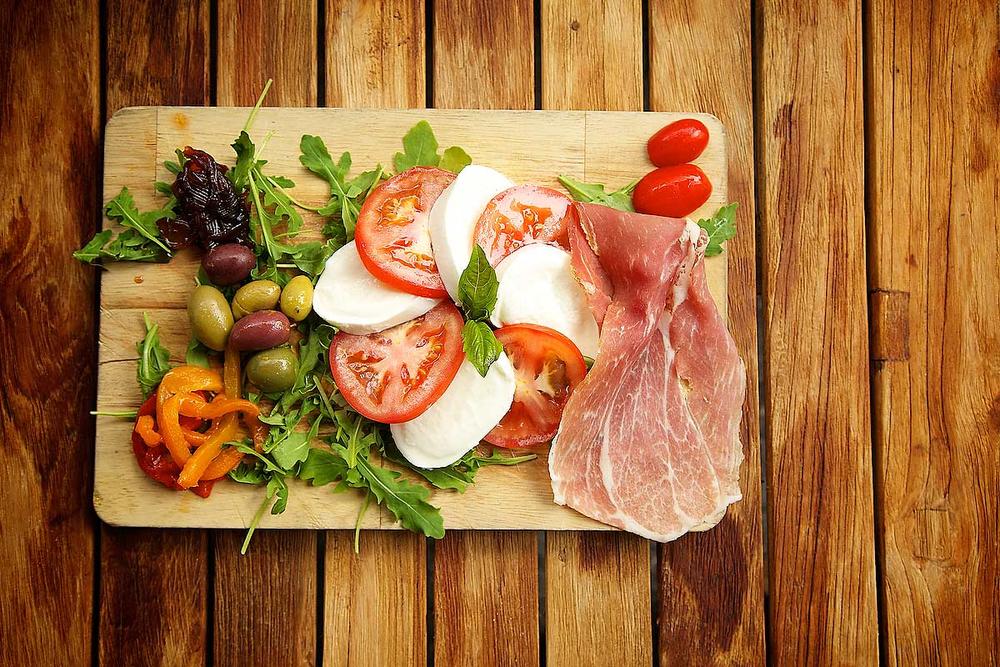 Photograph of an appetizer dish for a restaurants website.