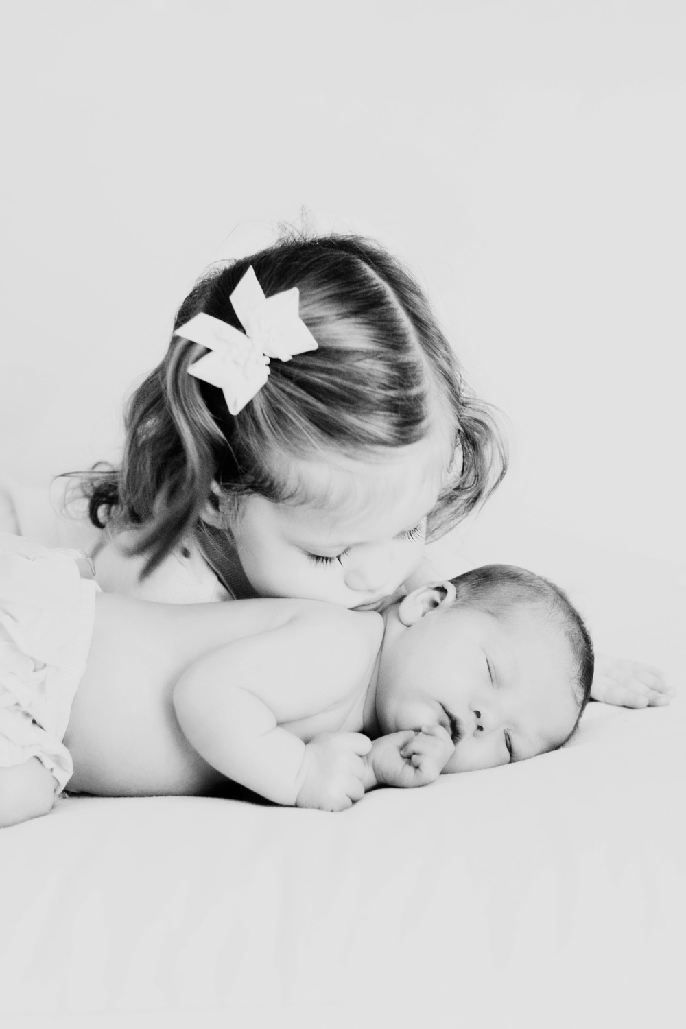 017_Newborn Session_BWs.jpg