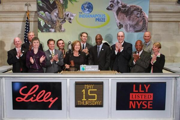 Pat Wright, Eli Lilly, and some lemur assistants helped to close the New York Stock Exchange on Thursday May 15th.