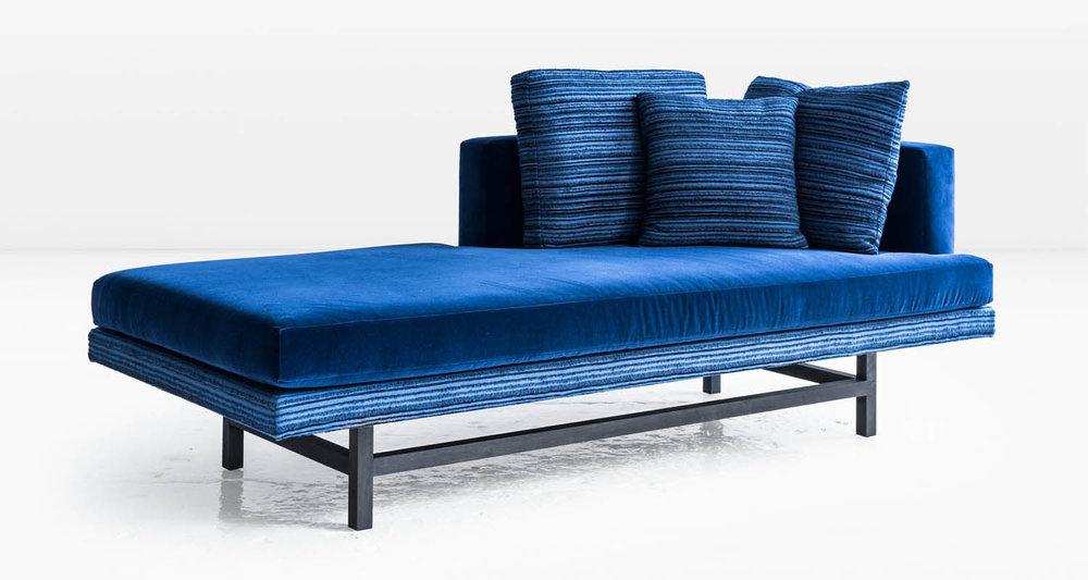 aragon chaise blue 01.jpg