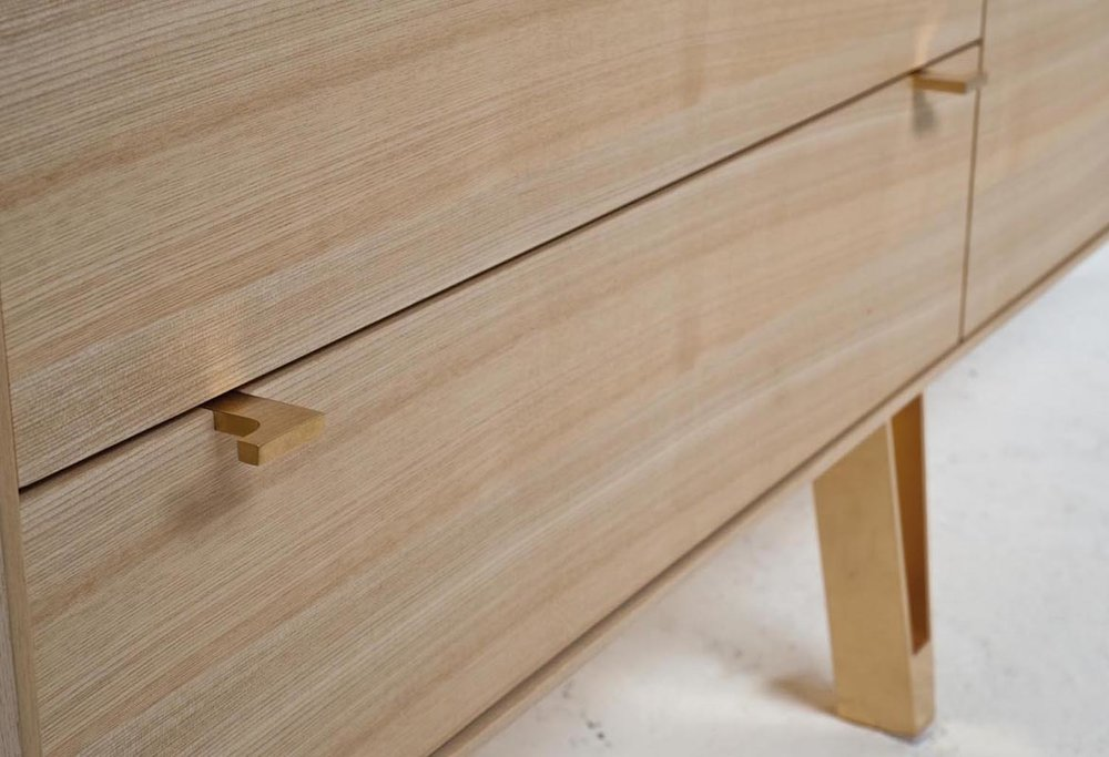 saxton cabinet L 015 br.jpg