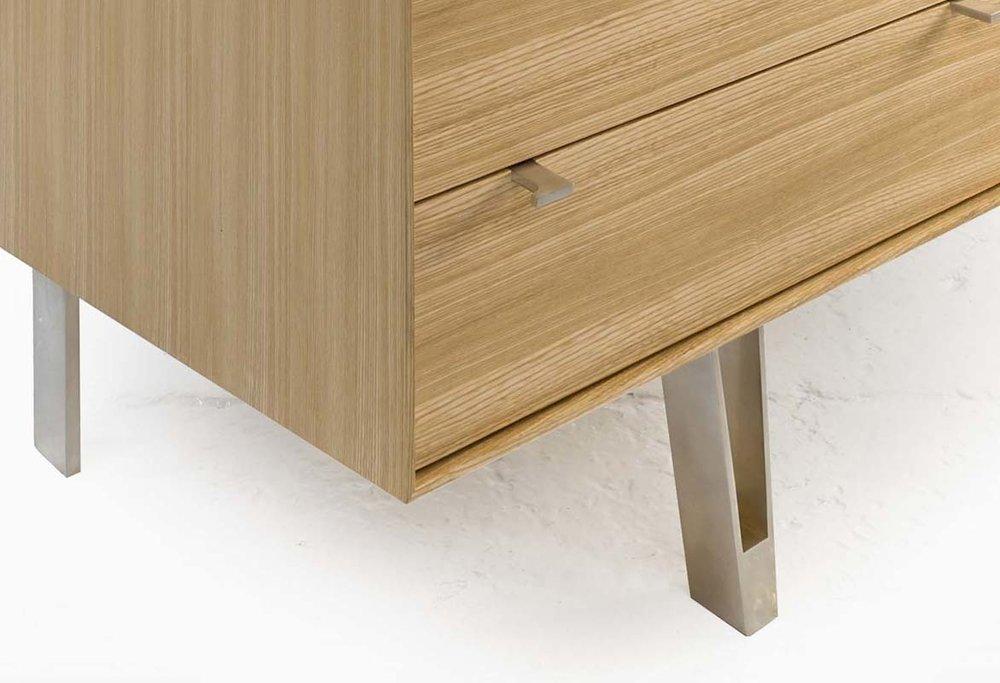saxton cabinet S 02 det.jpg